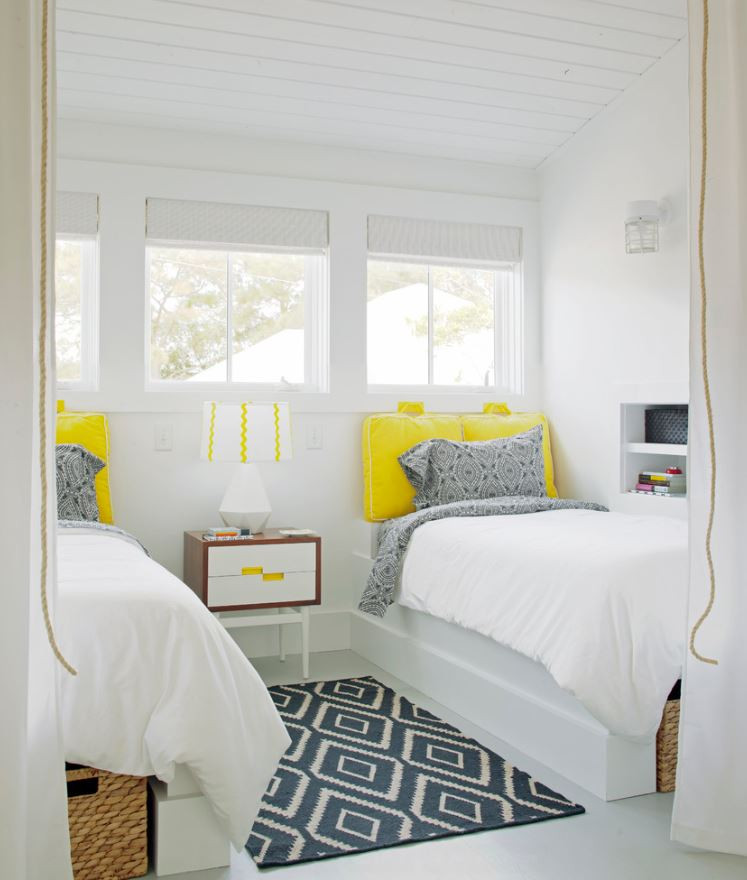 yellow-accents-for-bathroom
