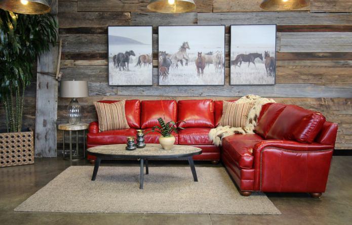 Красный диван в интерьере гостиной какие обои – 100 потрясающих фото и идей оформления